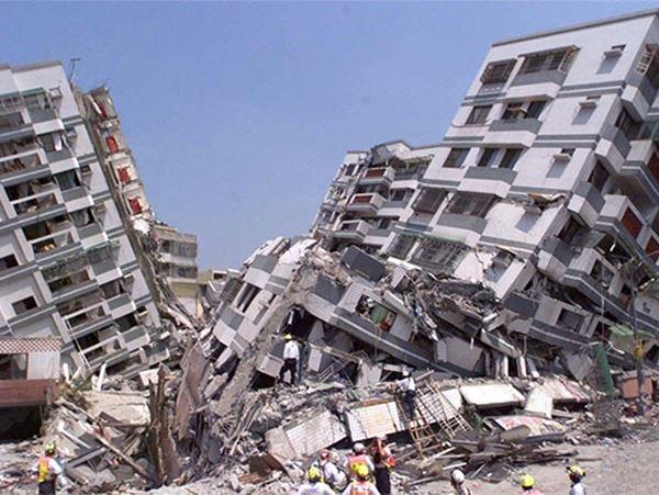 Mơ thấy động đất đánh liền tay con số nào? Là điềm gì?